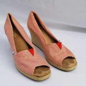 TOMS RED WHITE STRIPED CANVAS WEDGE PEEP TOE HEELS
